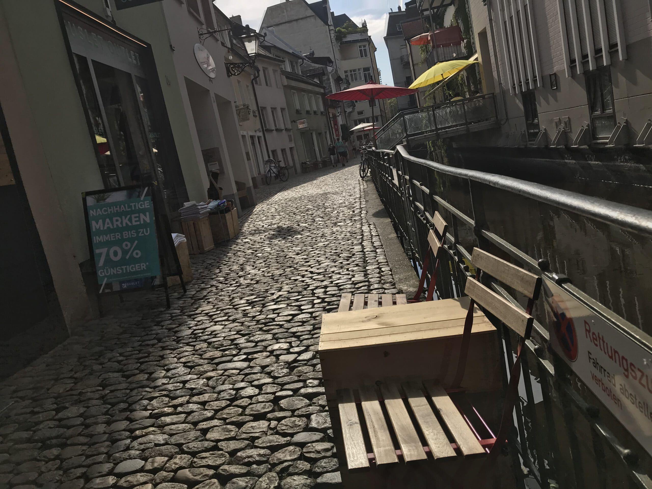 Terrasse der Weinbar Trotte